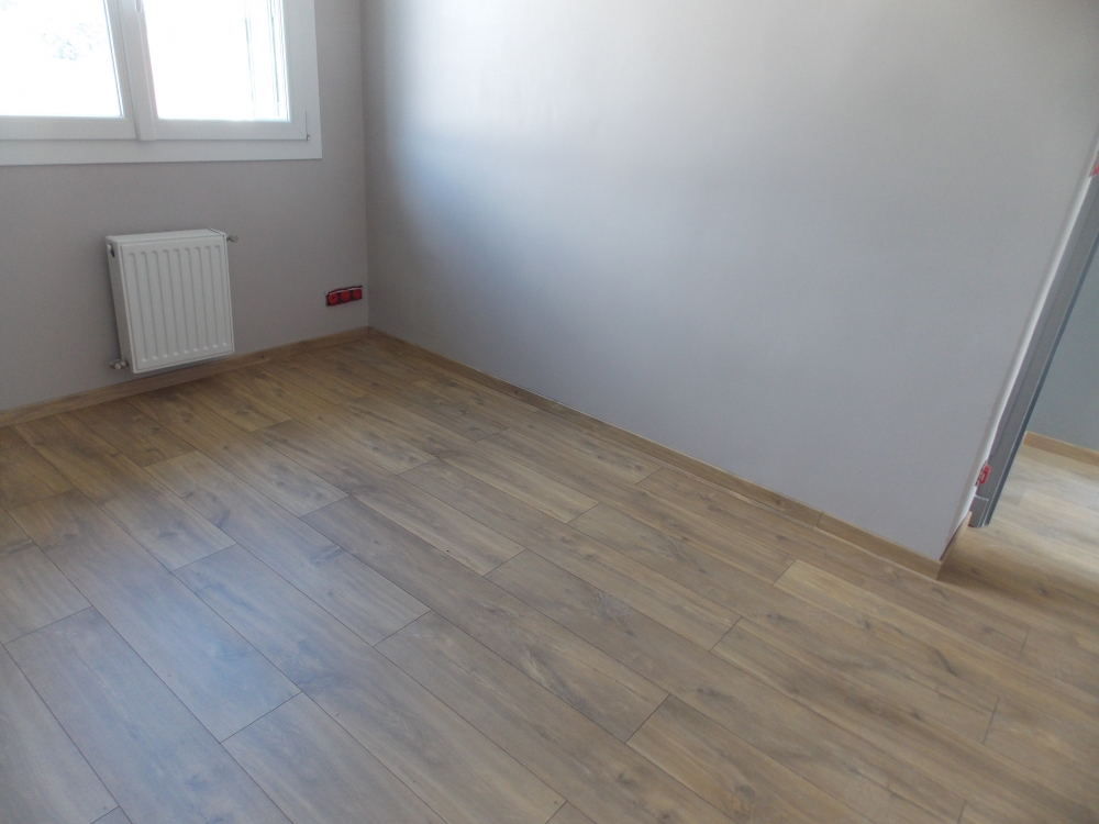 installer parquet flottant simple pose parquet flottant with installer parquet flottant. Black Bedroom Furniture Sets. Home Design Ideas
